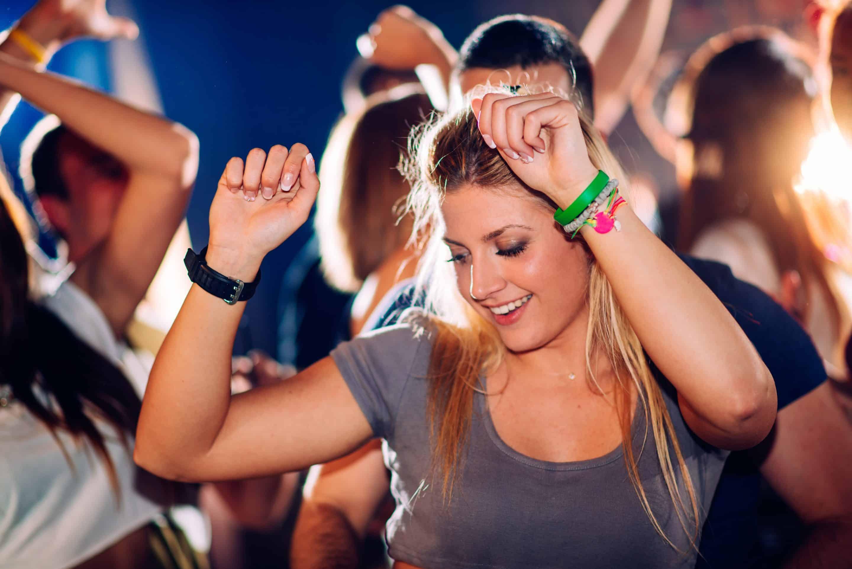 Dansende mensen