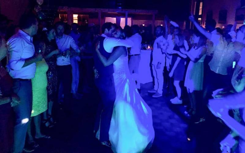 Bruidspaar op de dansvloer